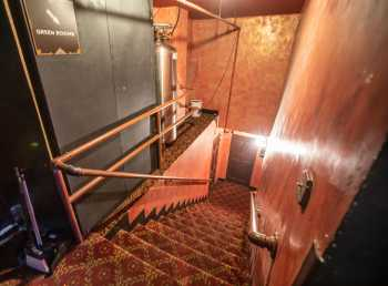 The Belasco, Los Angeles: Stairs down to Green Room