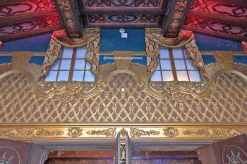 The Belasco, Los Angeles: Ticket lobby above entrance doors