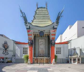 TCL Chinese Theatre, Hollywood: Forecourt