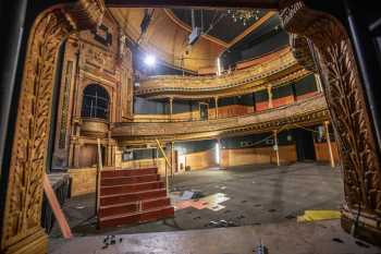 Citizens Theatre, Glasgow: Auditorium from Box House Left