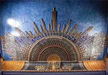 Egyptian Theatre, Hollywood: Ceiling Sunburst
