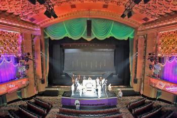El Capitan Theatre, Hollywood: Stage from Balcony with Organ