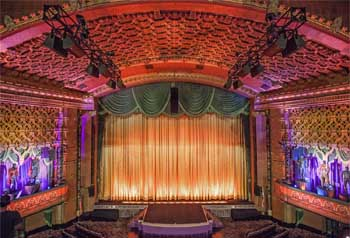 El Capitan Theatre, Hollywood: Stage from Balcony without organ