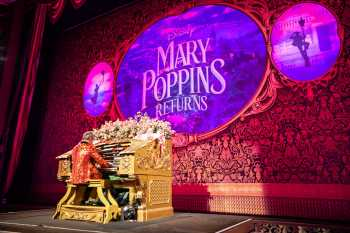 Hollywood Boulevard Entertainment District: El Capitan Theatre: Organ pre-show for Mary Poppins Returns