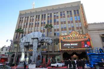 Hollywood Boulevard Entertainment District: El Capitan Theatre: Star Wars premiere