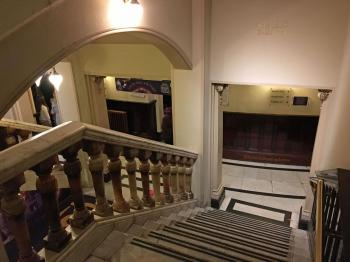 King's Theatre, Edinburgh: Lobby stairs down to Stalls