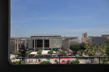 Plaza from Dorothy Chandler Pavilion