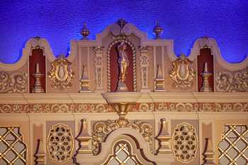 Orpheum Theatre, Phoenix: Detail above Organ Chamber featuring Venus bearing the vase of enjoyment