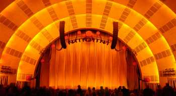 Radio City Music Hall, New York: Stage from Orchestra Rear at the 2005 Christmas Spectacular