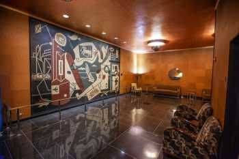 Radio City Music Hall, New York: Mens Smoking Lounge
