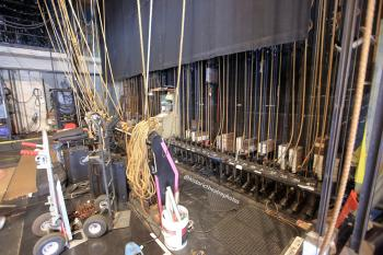 Ricardo Montalbán Theatre, Hollywood: Pin Rail and Lock Rail