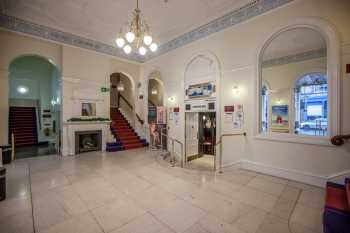 Royal Lyceum Theatre Edinburgh: Lobby
