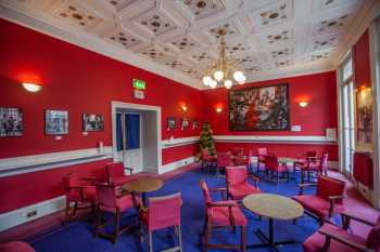 Royal Lyceum Theatre Edinburgh: Wyndam Bar 2