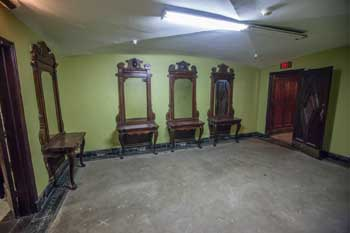 Ladies Powder Room