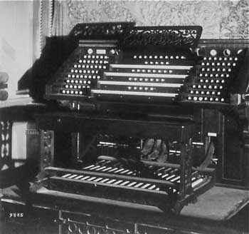 "The ""Frank Roosevelt No. 400"" organ console circa 1900, from the collection of Jim Lewis of the Organ Historical Society (JPG)"