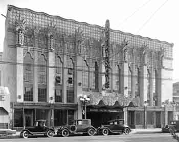Façade of the Belasco from a November 1926 photo by Mott Studios, held by the <i>Los Angeles Public Library</i> (JPG)