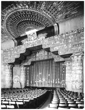 Auditorium in 1922 by Mott Studios, held by the Los Angeles Public Library (JPG)