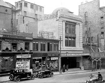 Exterior of the Empire Theatre in late September 1928, following the major remodeling by W. and T.R. Milburn (JPG)
