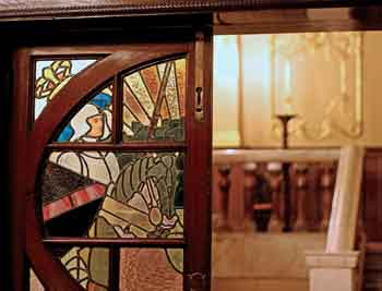 Edwardian Stained Glass in the Grand Circle Bar, featuring Arthurian legend, copyright Capital Theatres (JPG)
