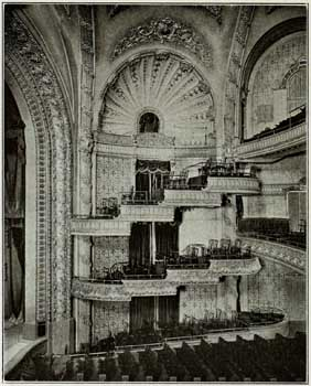 1911 photo showing original configuration of Auditorium Boxes, removed at the end of the 1920s (JPG)
