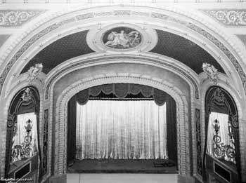 Auditorium post-renovation with Opera Boxes removed, courtesy Russell Chalberg Collection via the Texas Historical Commission (JPG)